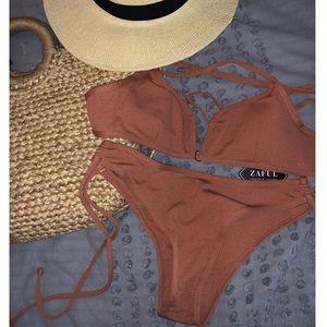 Ribbed Deep V Bikini